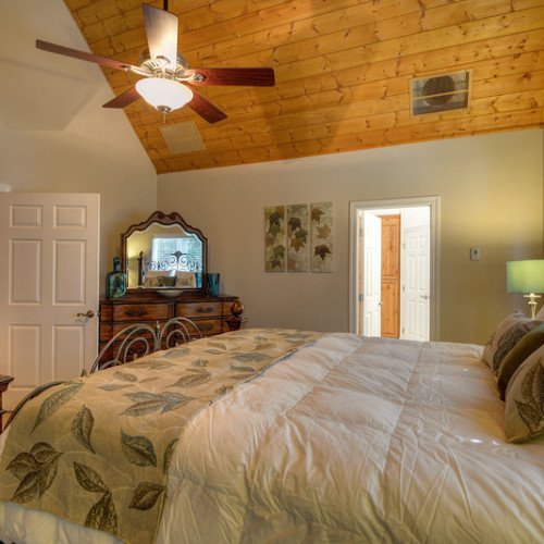 Ponderosa Pine Room